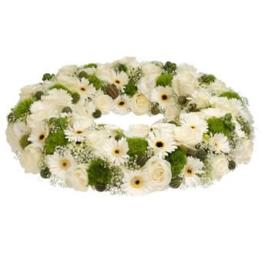 Trauerkranz weiße Blumen