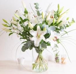 Blumenstrauß Weiße Lilien
