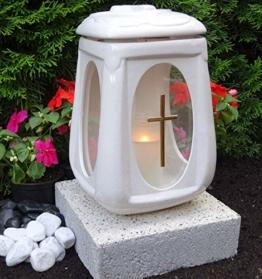 ♥ Grablampe Grablaterne mit Sockel und Grabkerze Weiß 26,0cm Grabschmuck Grableuchte Grablicht Laterne Kerze Licht Lampe Anröchter - 1