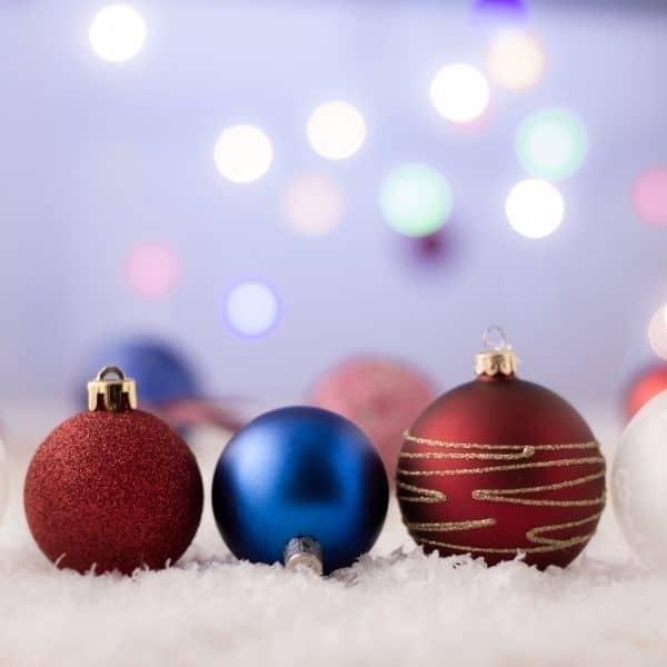 Weihnachtsbaum -Tannenbau - dekorieren