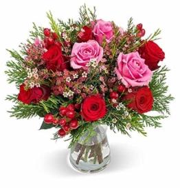 blumenstrauss winterzauber rot rosafarbener rosenstrauss versenden schnittblumen