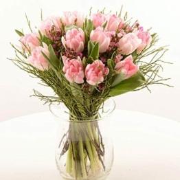 """Blumenversand im Frühling - Blumenstrauß""""Zauberhaft"""" - mit rosa gefüllten Tulpen, Waxflower und frischem Heidelbeergrün - mit Gratis Grußkarte - Deutschlandweit - 1"""